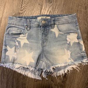 SL8 size 25 stars distressed shorts